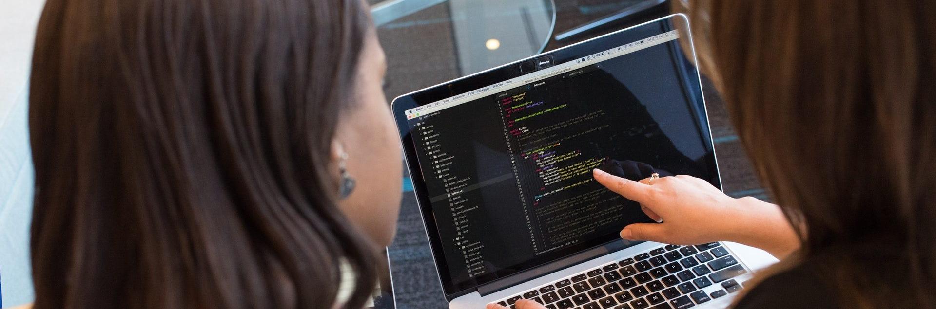 650 cursos de programación e informática que empiezan en mayo